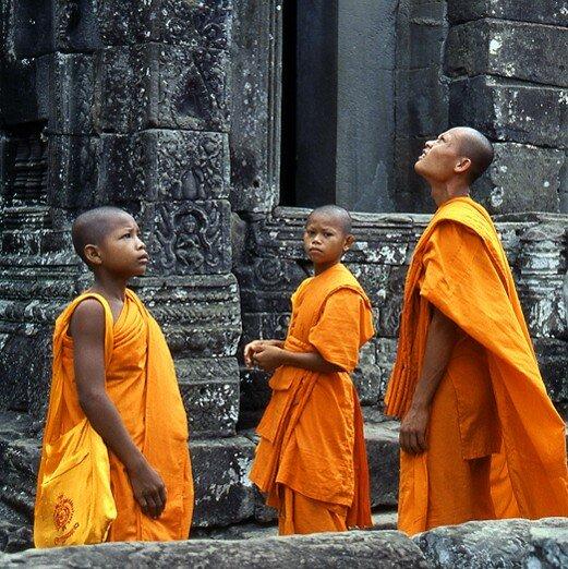 cambodge_angkor_moines_trio