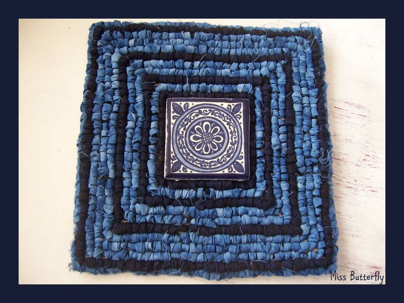 Indigo trivet (Kit de Theresa Pulido )