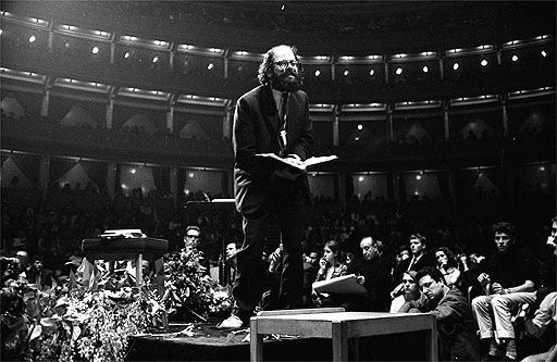 ginsberg-leading-the-way-for-the-jazz-poets-in-65