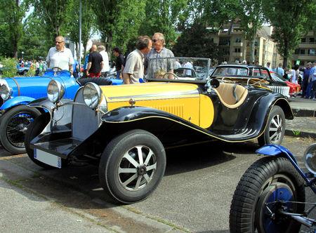 Bugatti_type_55_roadster__Retrorencard_juin_2010__01