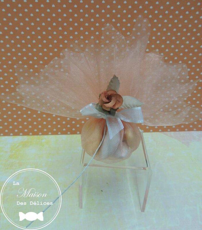 piquet fleur bouton rose orange decoration tulle pochon ballotin dragees mariage bapteme accessoire sujet deco