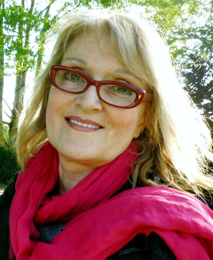 Marie-Bernadette Dupuy, Présidente de l'Association- Responsable des Editions