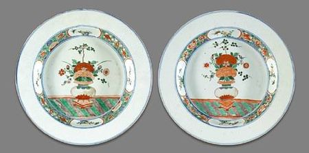 A_pair_of_famille_verte_export_porcelain_chargers