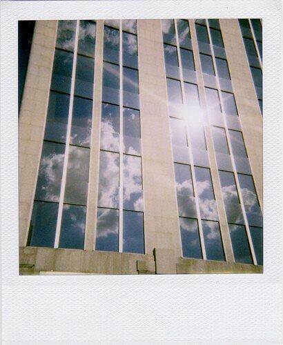 Le building dans les nuages