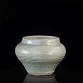 Petite jarre en grès céladon, chine, longquan, dynastie yuan-ming, xivème-xvème siècle
