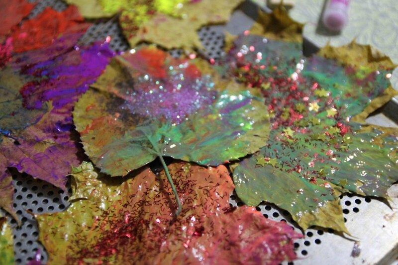 Peinture sur feuilles mortes