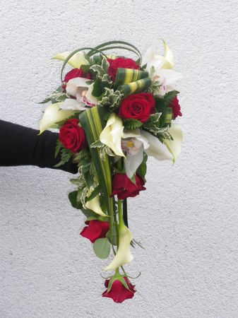 Bouquet_mari_e_arum__rose__cymbidium