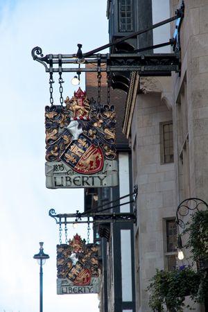 Londres___Liberty_enseigne