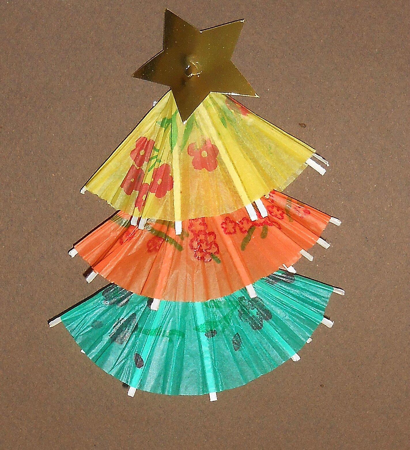carte: sapin de noël en petits parasols à cocktail - la maison féerique