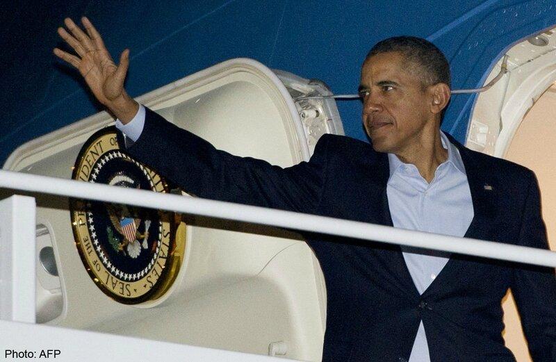 obama waiving goodbye