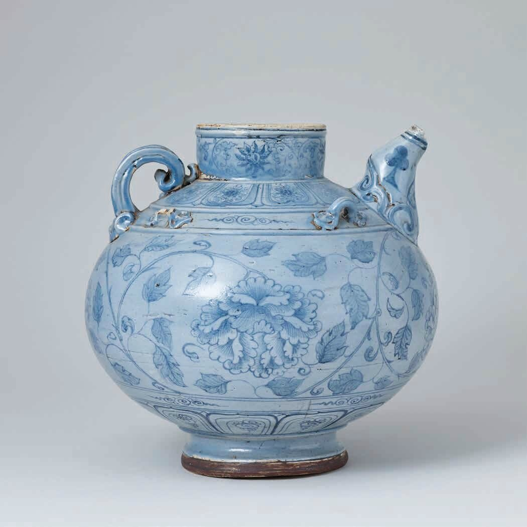 Large Blue and White Ewer with Tinted Glaze, Lê Dynasty, 15th – 16th c