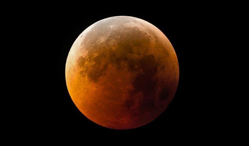 Une-éclipse-totale-de-Lune-1024x601