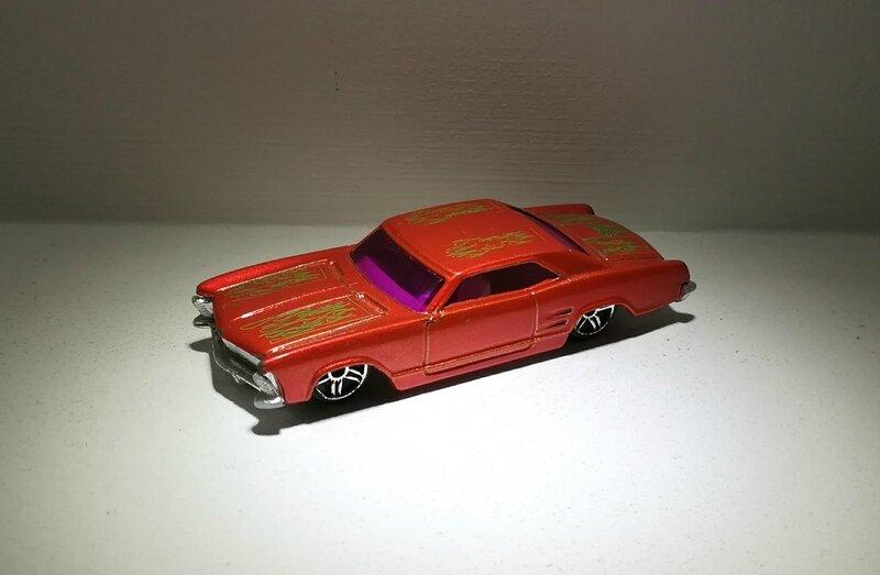 Buick Riviera de 1964 (Hotwheels)