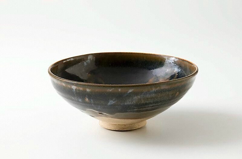 Brown glazed bowl, China, Song dynasty (960 - 1279), Henan Province, stoneware, 7.2 x 17.8 cm. Gift of Dr. Peter Elliott 1995. 220.1995. Art Gallery of New South Wales, Sydney (C) Art Gallery of New South Wales, Sydney