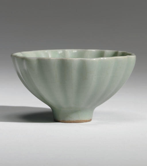 A small Longquan celadon petal-lobed bowl, Southern Song dynasty (1127-1279)