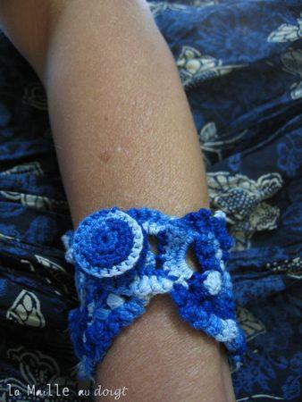 Bracelet azul Freeform crochet 2