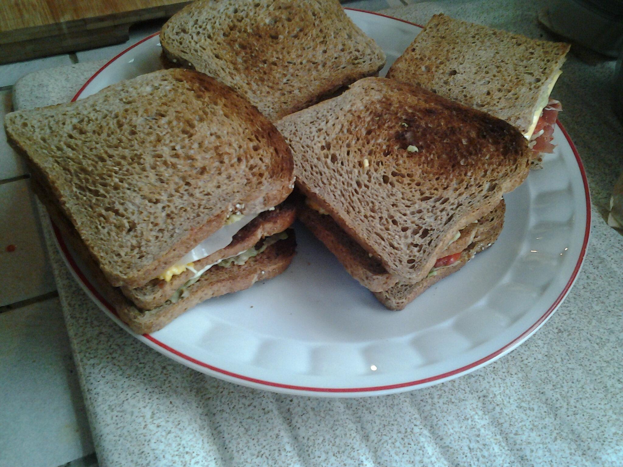 club sandwich au prosciutto
