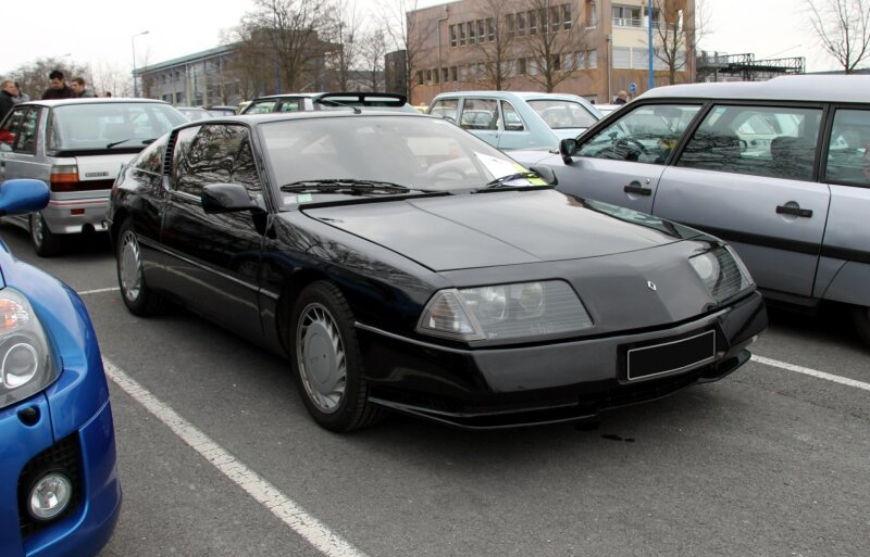 Alpine V6 turbo (23ème Salon Champenois du véhicule de collection) 01
