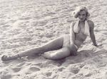 1951_Anthony_Beauchamp_pin_up_beach_051_020