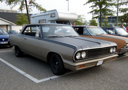 Chevrolet_chevelle_Malibu_coup___Rencard_Burger_King_aout_2009__01