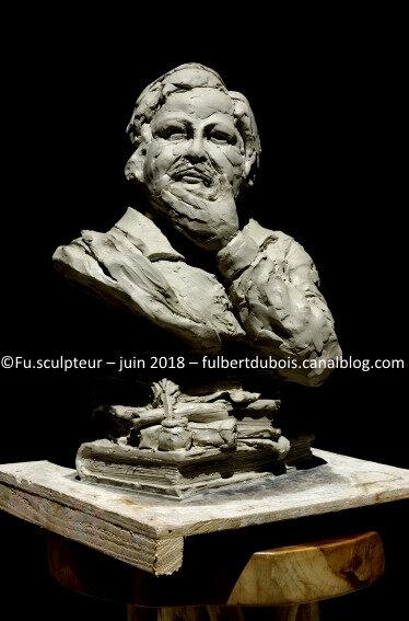 Fu - artiste sculpteur - création - art - sculpture - statuaire - modelage - terre - argile - buste - portrait - Balzac - projet monument - Tours