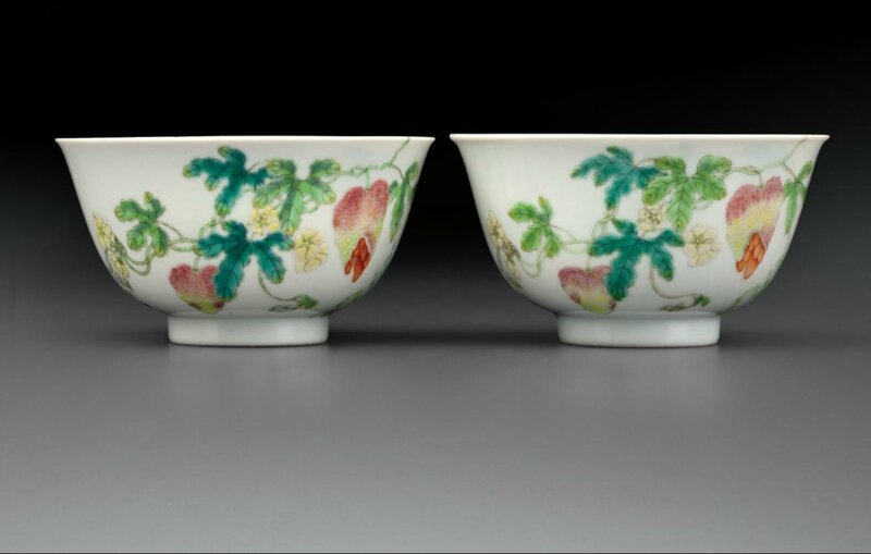 A pair offamille rose'Bitter melon and Butterflies' bowls,Daoguang six-character seal marks in underglaze blue and of the period (1821-1850)