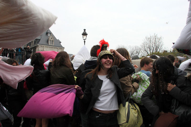 22-Pillow fight 12_4320