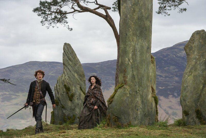 Sam-Heughan-as-Jamie-Fraser-and-Caitriona-Balfe-as-Claire-Randall-1024x683