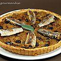 Tarte fondante aux oignons, sardines et raisins secs