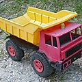 01064 camion benne pegase marque mob