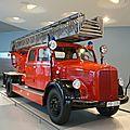 MERCEDES BENZ LF 3500 camion de pompiers avec échelle Metz DL 22 1952 Stuttgart (1)