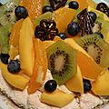 Tarte dacquoise aux fruits exotiques
