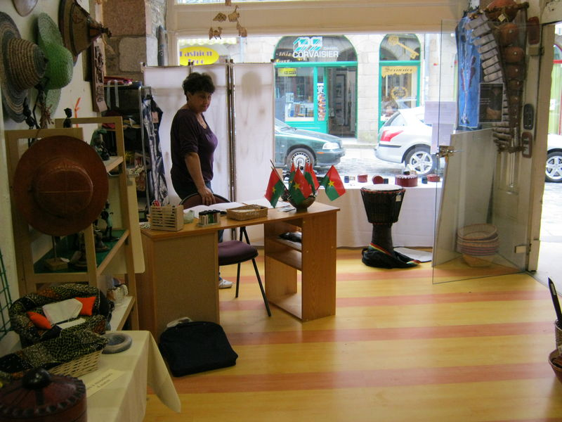 MAGASIN RUE NATIONALE 003