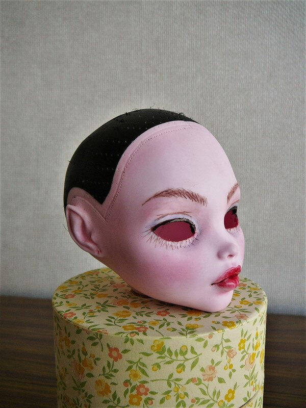 05 Draculaura maquillée, sans yeux