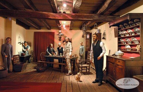 maison_Renaissance_musee_XIXe_siecle_au_centre_le_speleologue_Edouard_Alfred_Martel_qui_decouvrit_la_riviere_souterraine_du_goufre_de_Padirac_en_1889