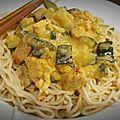 Nouilles chinoises au poulet et à la courgette au lait de coco