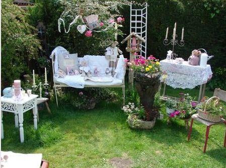 Mon jardin romantique - Célia et ses chats