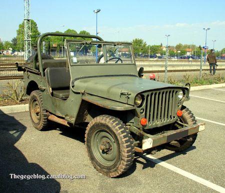 Hotchkiss jeep de 1966 (Rencard Haguenau avril 2011) 01