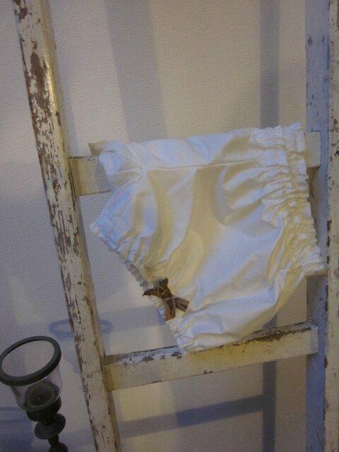 Culotte en coton écru à noeuds assortis sur les cuisses - tailles S (1)