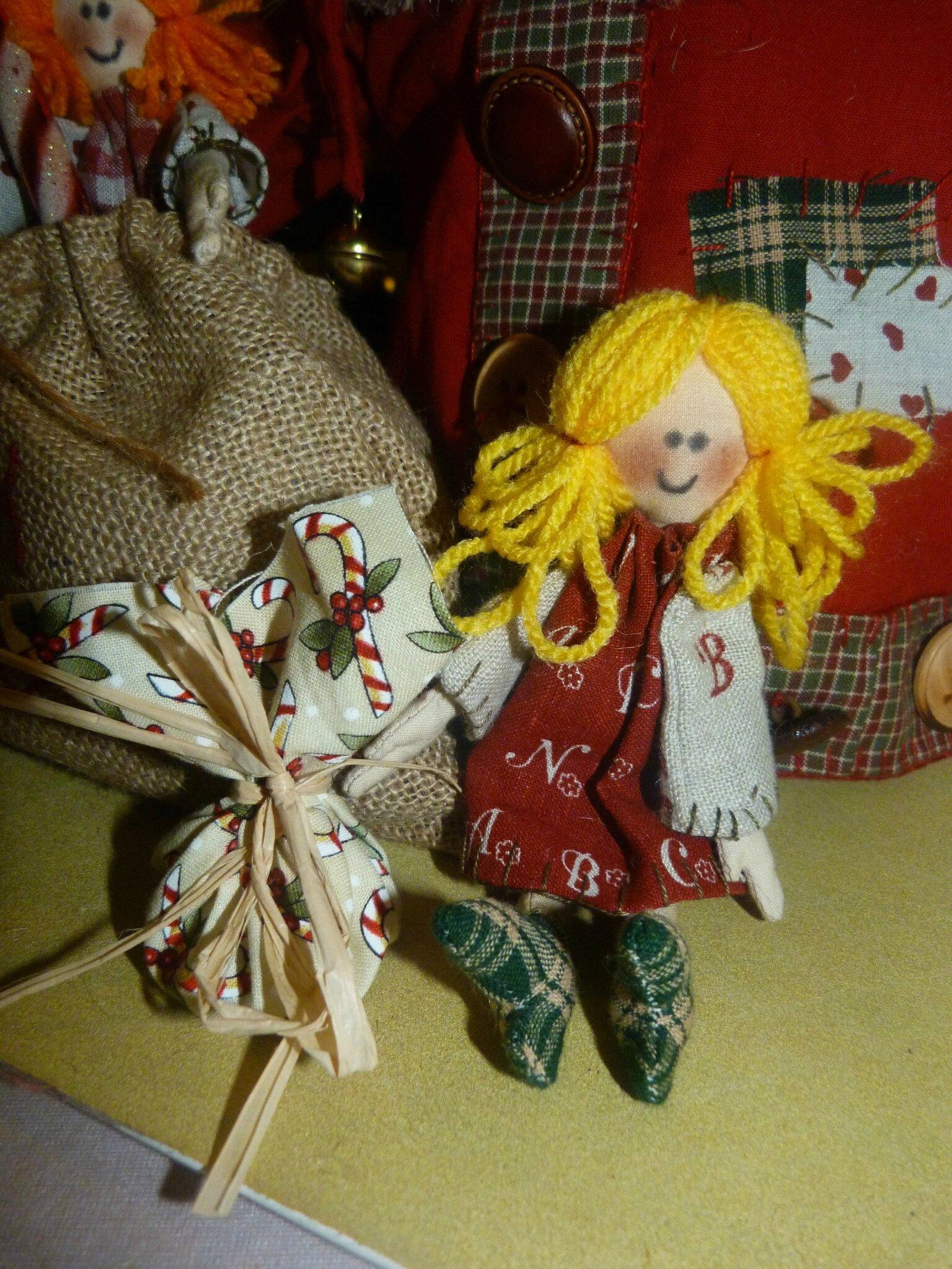 * les petites poupées de* Luc le père Noel *