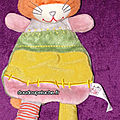Doudou plat chat latitude orange vert rose, www.doudoupeluche.fr