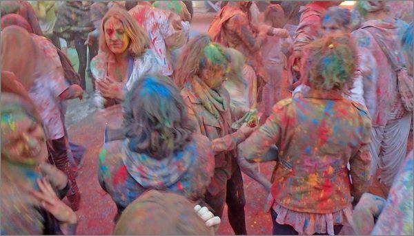 Ville fete couleurs 5 120913 4 foule