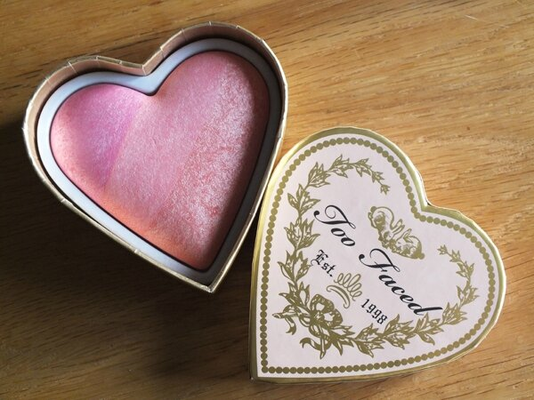 1 Sweethearts Blush Candy Glow Too Faced