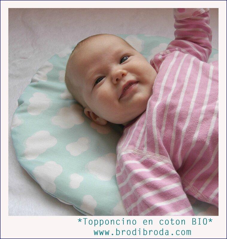 Brodi Broda-topponcino Montessori-matelas coussin bébé-tissu nuages BIO avec prénom6
