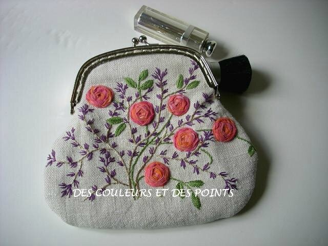 pochette maquillage face
