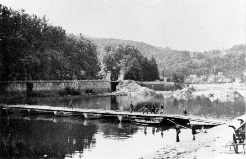 juin 40 pont canot provisoire
