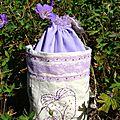 Petit sac décoratif lilas (côté 1)