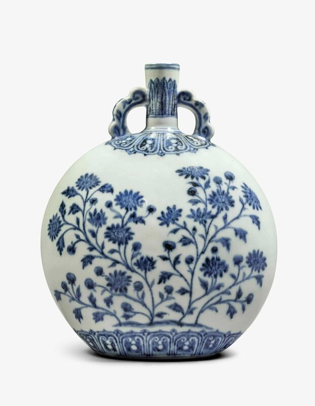 An exceptionally rare and important blue and white moon flask, Ming dynasty, Yongle period (1403-1424)