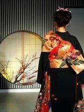 170px-Kimono_backshot_by_sth