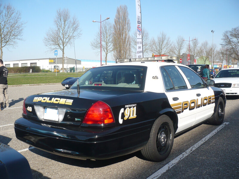 FORD Crown Victoria Police Interceptor Vendenheim (2)